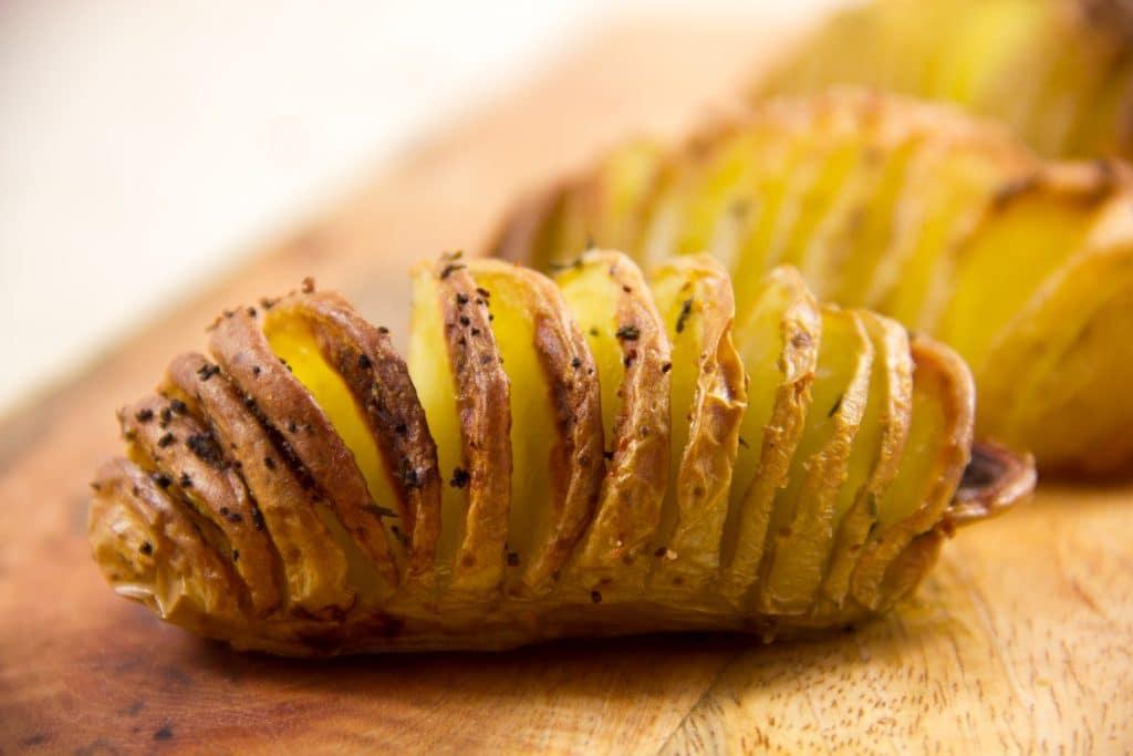 Pommes de terre en éventail rôties à la Suédoise